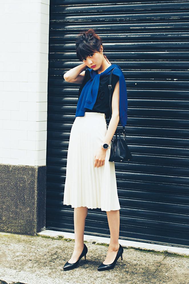 出典:http//d1fu8lafwdn865.cloudfront.net. 大人可愛い♡. 白のプリーツスカート