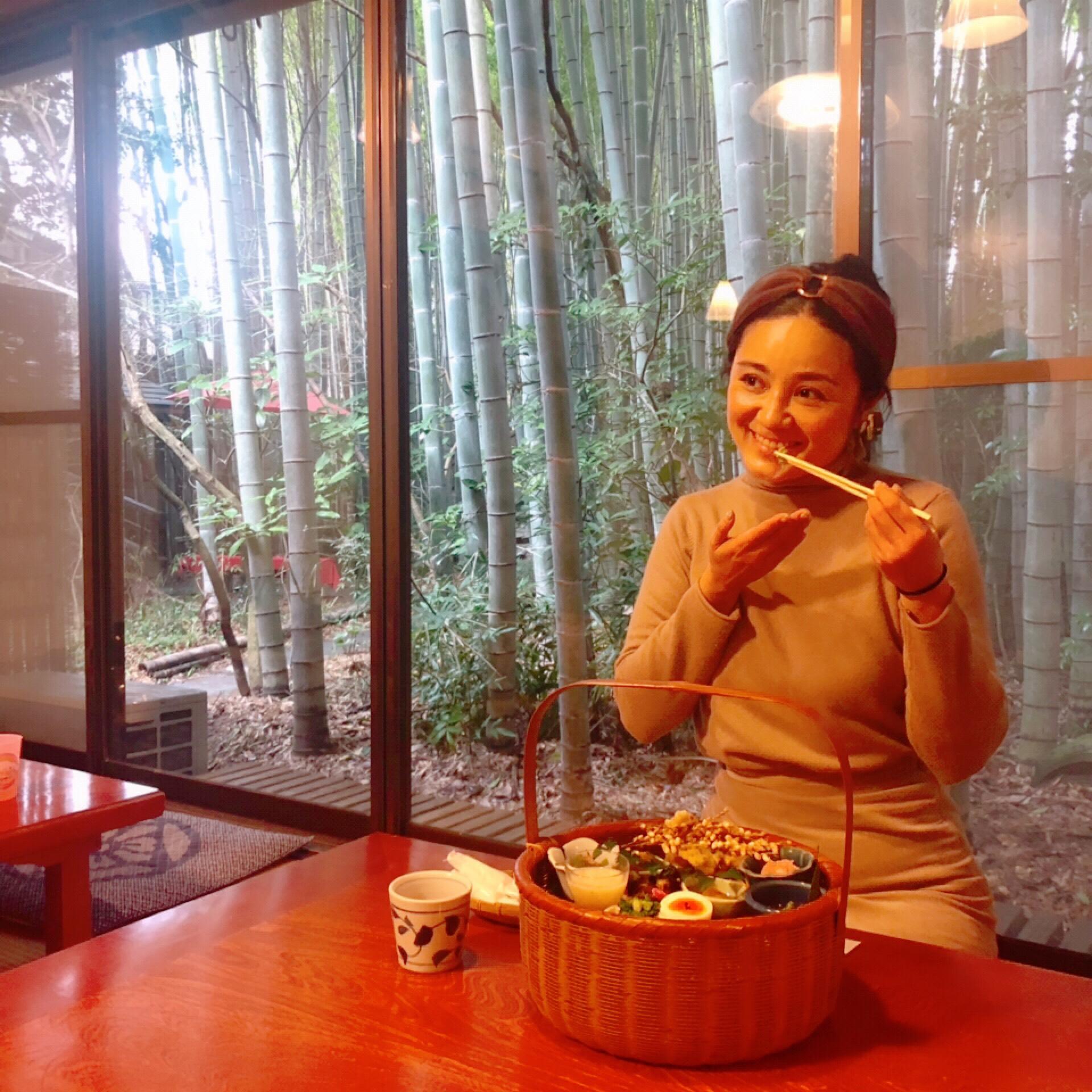 湯布院のロールケーキが人気のカフェと、日田市の「花てぼ弁当」が食べられる和食店へ♪【 #TOKYOPANDA のご当地モア・大分県編】_5