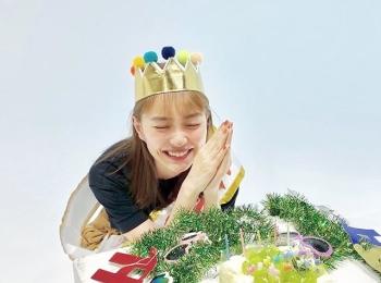 【内田理央のオフショット】撮影終わりにサプライズでだーりおのお誕生日をお祝い♡