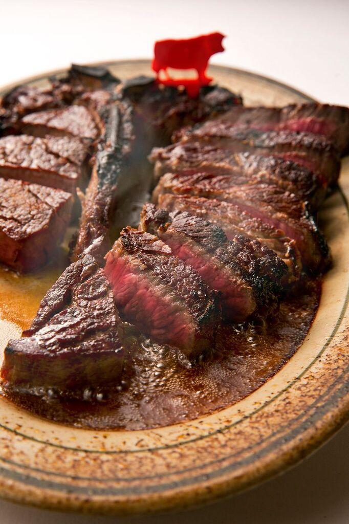 ステーキをがっつり食べるならココ! 『ウルフギャング』が大阪にオープン!_2