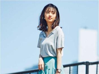 【今日のコーデ】夏の暑さを爽やかに見せる、ポロシャツ×フレアスカートの淡色コーデ