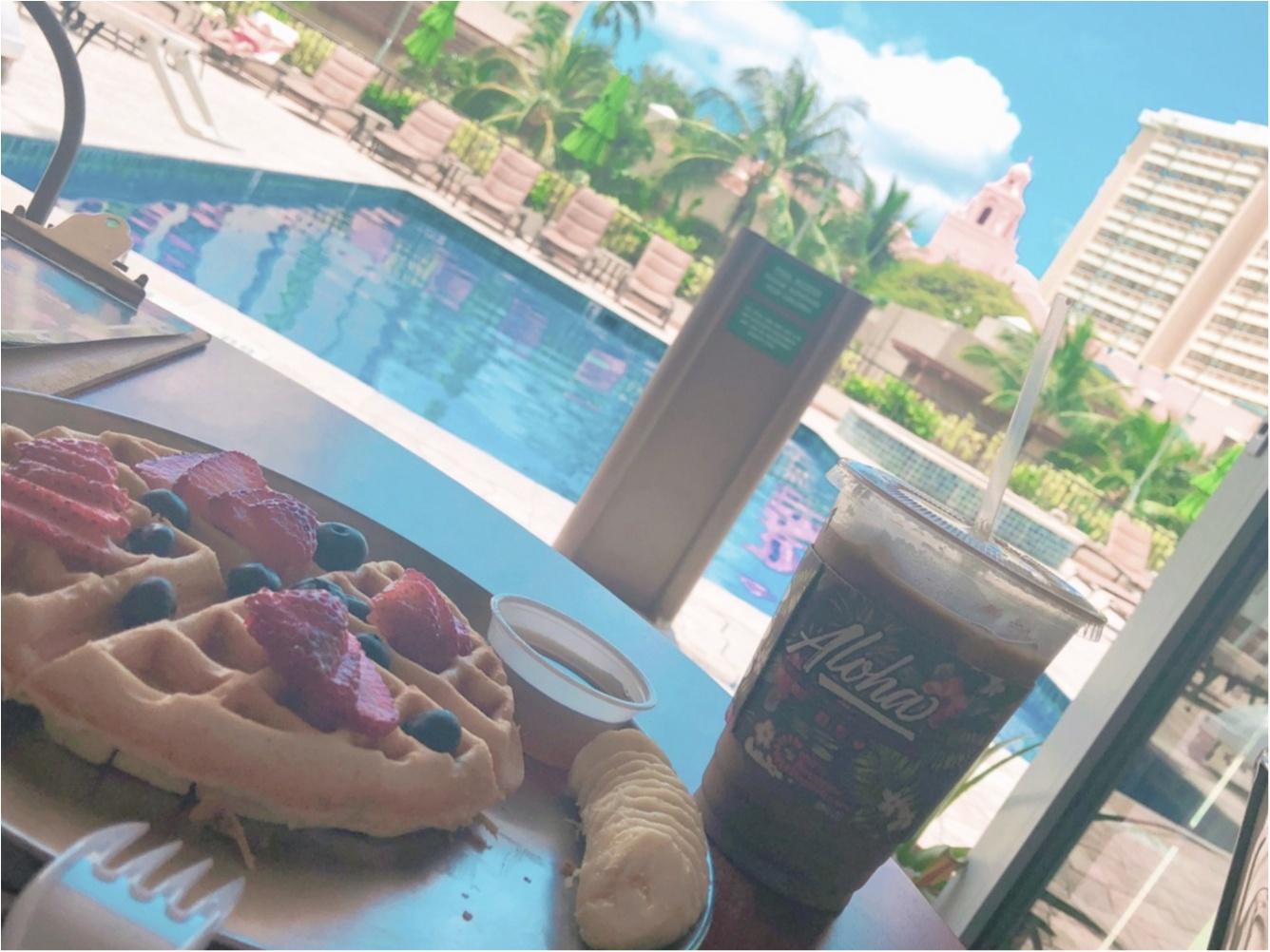 【Hawaii】おすすめ隠れ家カフェをご紹介します!!美味しいワッフルと内装が可愛いすぎる♡♡インスタ映えするフォトスペースも!?_10