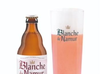 ピンクのフルーツビールが可愛すぎる!! 98種類のベルギービールで乾杯@オープンビアテラス
