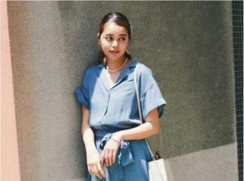 【今日のコーデ】真夏日が続いたらブルーのシャツワンピ。涼しげな通勤スタイルに!