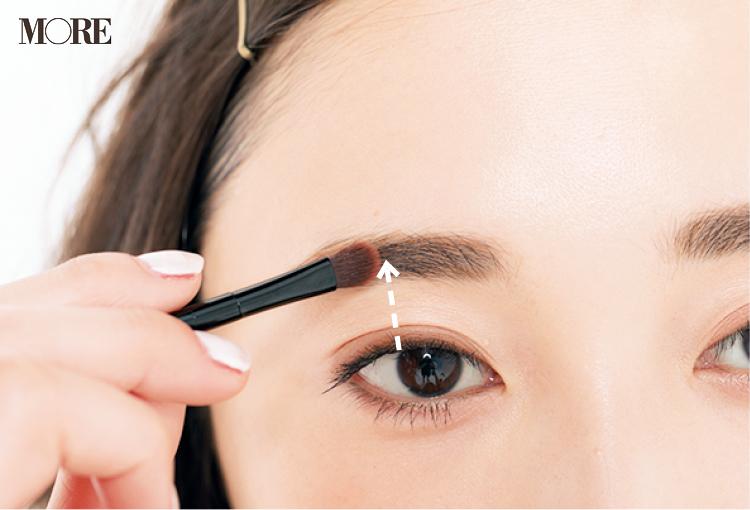 「眉が薄い人」におすすめの眉の描き方。自然なボリュームを出すテク&仕上げアイテム!_3