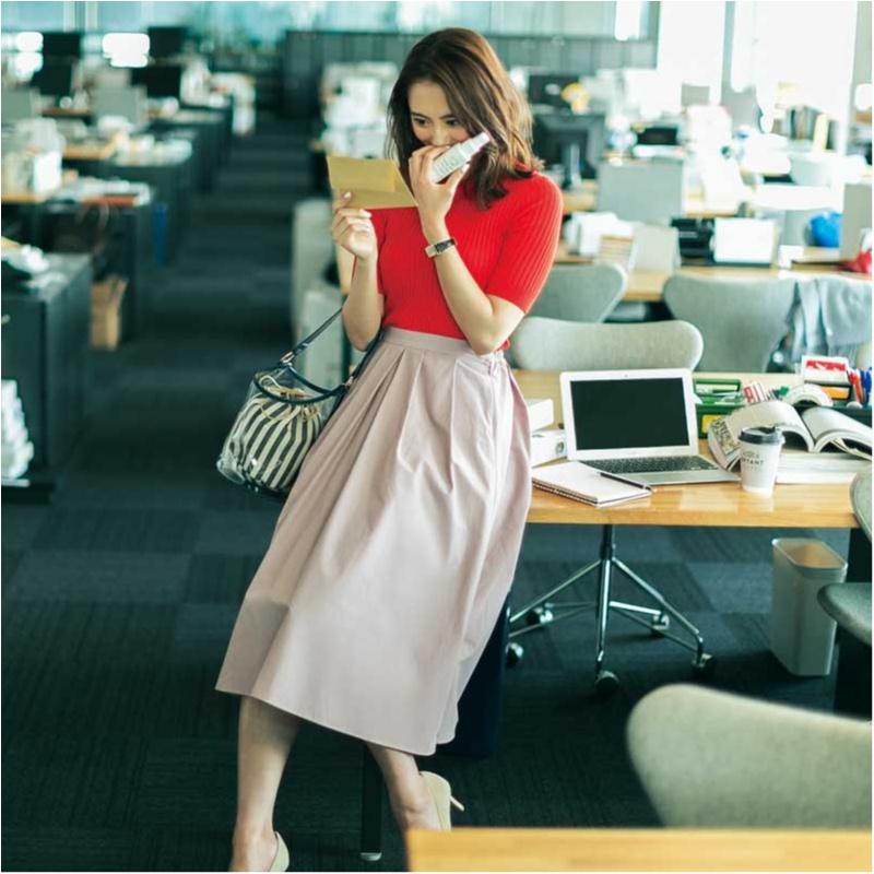 【今日のコーデ】寝不足なままの月曜はオレンジ×ピンクのカラーコーデでオフィスに「華」とやる気を注入! _1