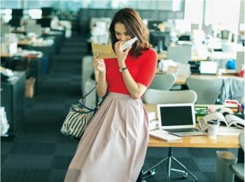 【今日のコーデ】寝不足なままの月曜はオレンジ×ピンクのカラーコーデでオフィスに「華」とやる気を注入!