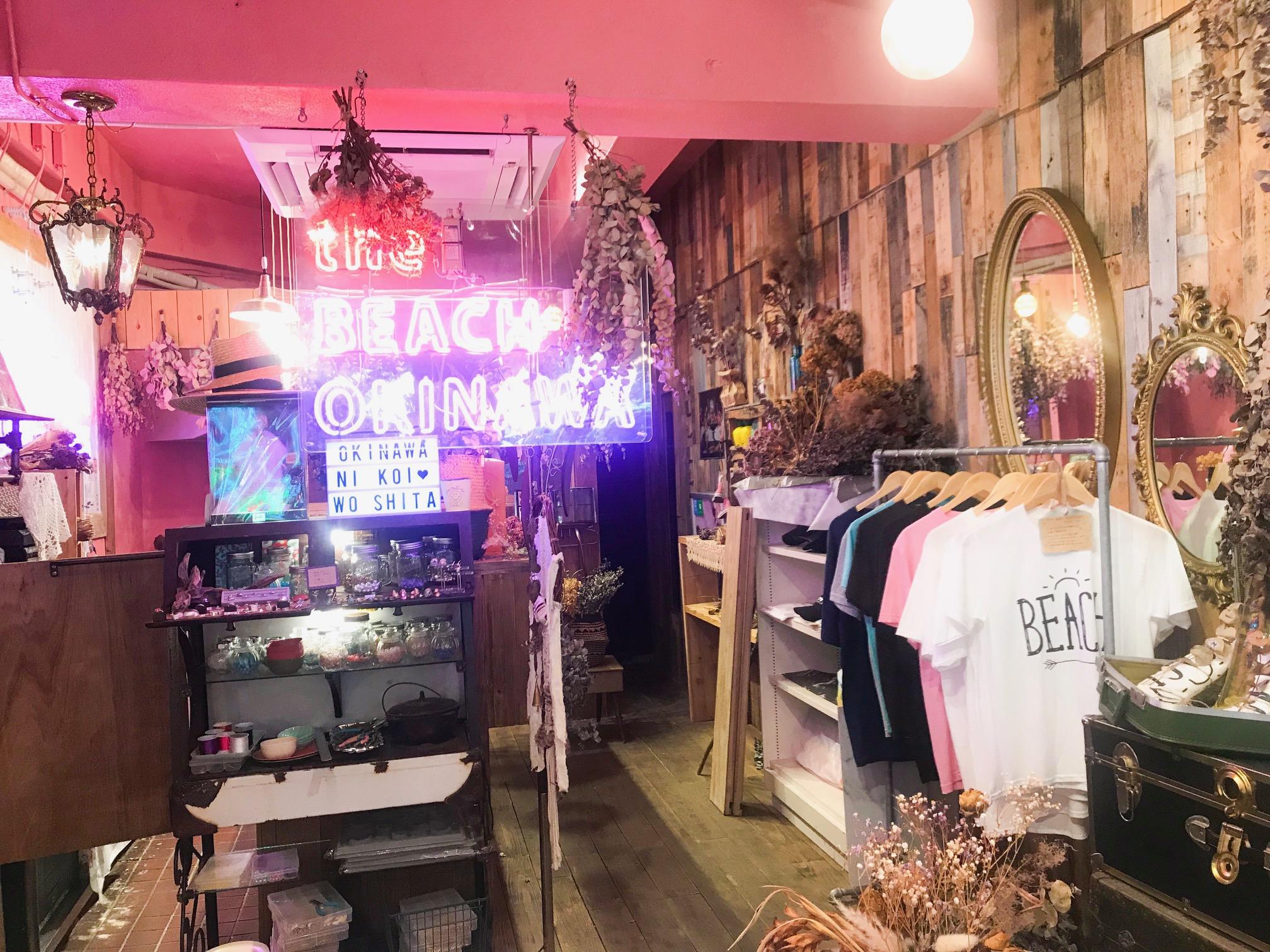 【沖縄女子旅】国際通りのかわいいカフェ♡ おしゃれスムージーと絶品サンドイッチのお店、教えます!_3