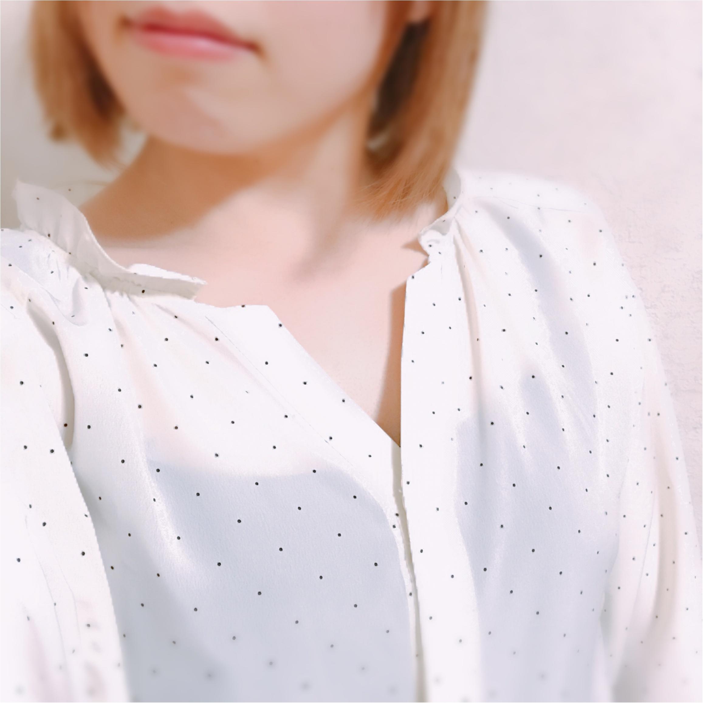 甘過ぎなくて大人かわいい!【きみ棲み】吉岡里帆さん着用のドットギャザーブラウス♡_3