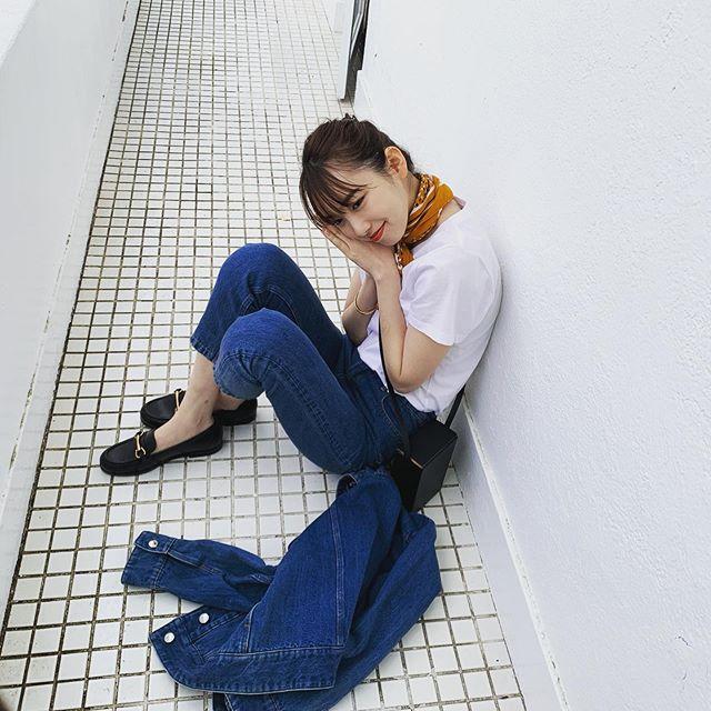 【飯豊まりえの撮影オフショット】雨にも負けず可愛いまりえってぃのオフショット♡_1