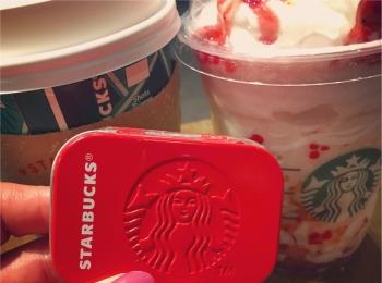 <スタバ>アフターコーヒーミントが真っ赤なホリデーパッケージでかわいすぎる!♡