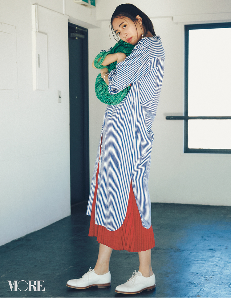 新しくなったプリーツスカートなら歩くだけで美人見え♡フラット靴派も見逃さないで!_1_2