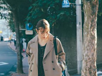 20代女子に似合う【きれいめの服×スニーカー】のコーデまとめ | ファッション