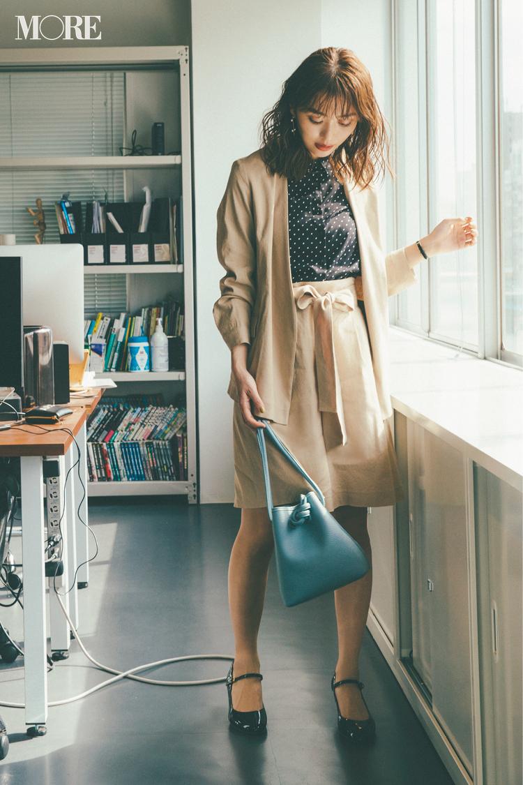 ベージュコーデ特集(20代後半女子向け)- 春におすすめのワンピースやスカート、靴などのコーディネートまとめ_2