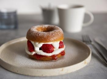 京都カフェのニューフェイス♡ ドーナツファクトリー「koe donuts」が、とにかくおしゃれすぎる件! 記事Photo Gallery