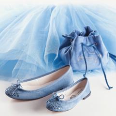 レペット×シンデレラのコラボは、ドレスと同じブルーのアイテム♡