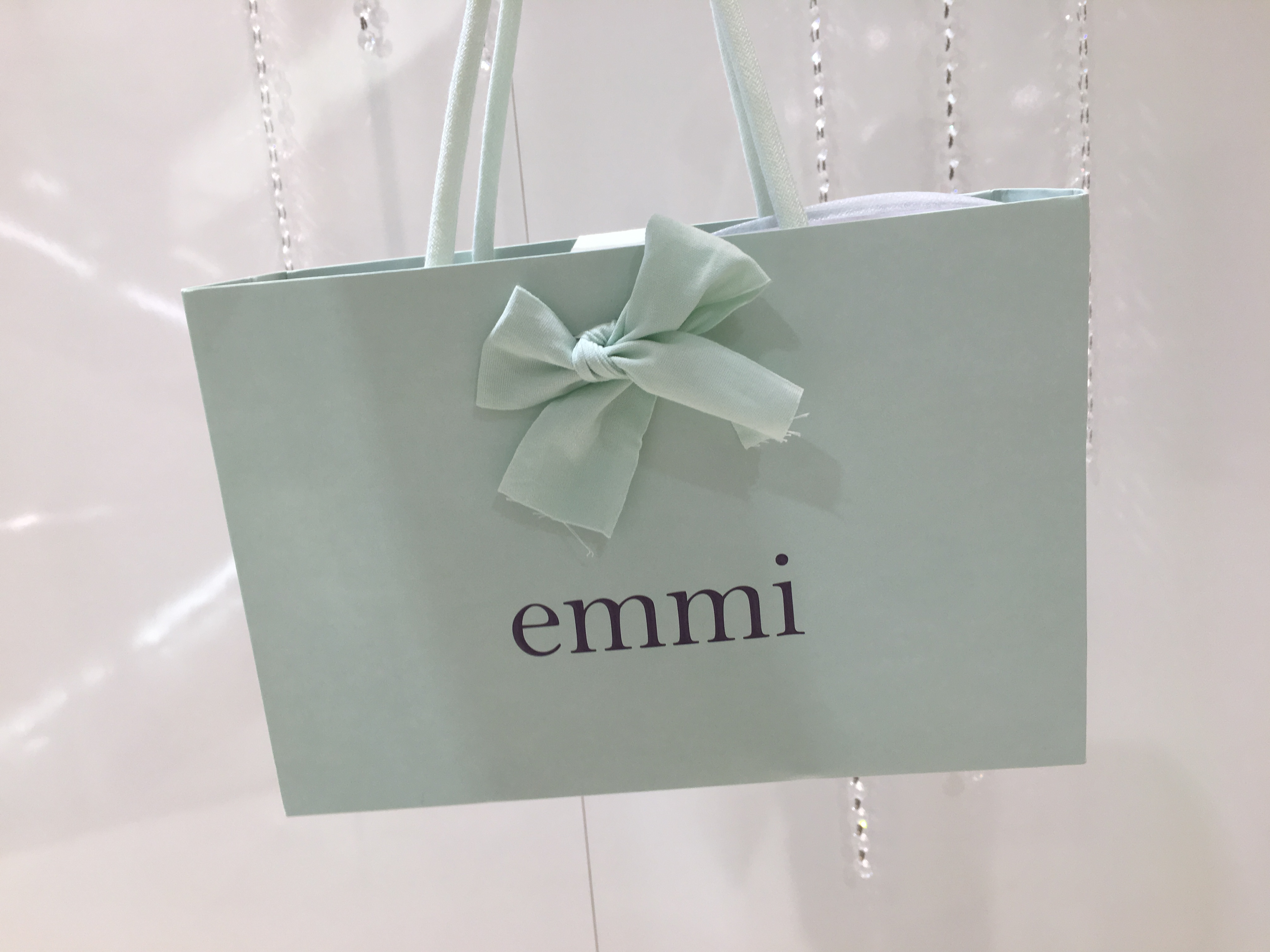 【emmi】ニューバランスの特注カラーがかわいい!_1