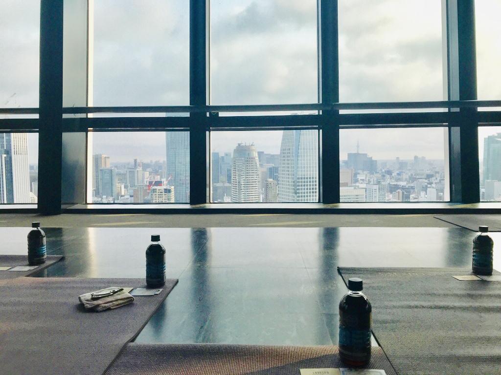 抜群のロケーション!東京タワーの展望台で【朝活ヨガ】今大注目!ヨガ×コーヒー♡_2