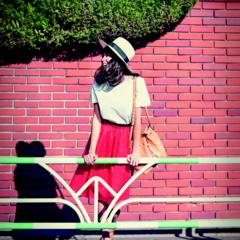 【今日のコーデ】気持ちのいい土曜日は、白ときれい色の鉄板カラーでお散歩デートを♥