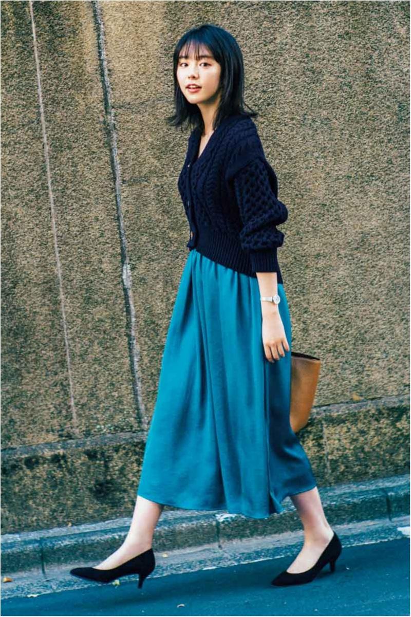 きれい色スカートにキトゥンヒールのからたん
