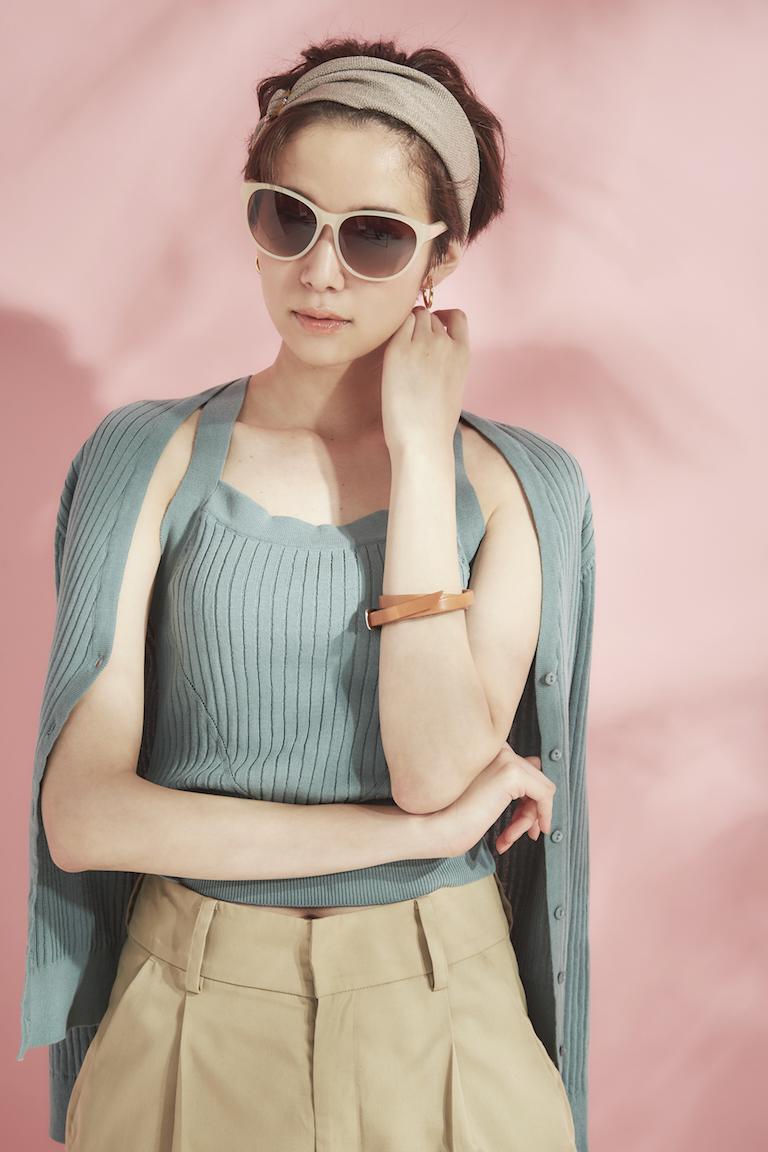 佐藤栞里イチオシのサングラスは『ナインウエスト』! トレンドの薄めカラーだから、夏コーデがキマる☆_1