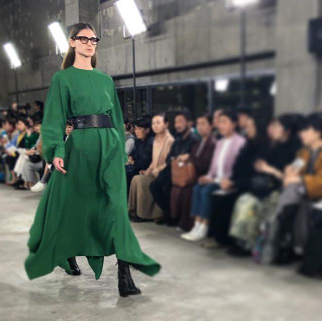 差し色としてのグリーンが素敵でした!『HYKE』2019-20秋冬ショー【 #副編Yの展示会レポート 】_2