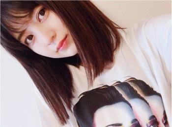 【お気に入りの部屋着を見せて!】逢沢りなちゃんはケイティ・ペリーのツアーTシャツ!