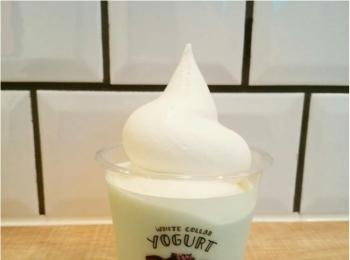 【爽やか濃厚新感覚】何度も食べたいヨーグルト×ソフトクリームの激うまパフェ