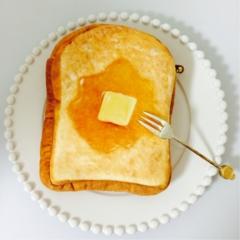 厚切りはちみつトーストにしか見えない!本物そっくりふわふわポーチ♡