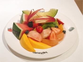 【モーニング】盛り盛りフルーツで朝から贅沢気分♪@東京駅