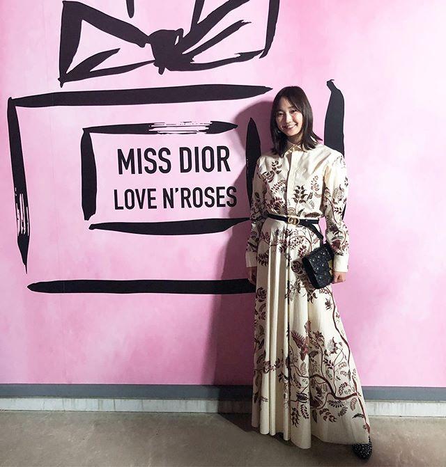 「MISS DIOR LOVE N'ROSES ミス ディオール展覧会」オープニングイベントで、鈴木友菜ちゃんを発見!_1
