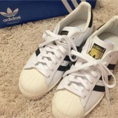 デートでもスニーカーをはきたい!around27歳の靴事情。