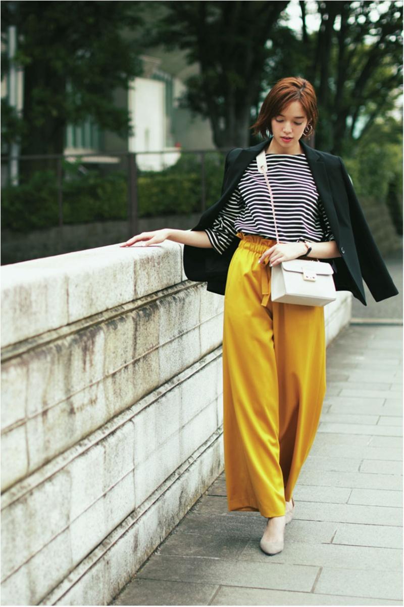 着るだけで華やぐ【真夏のきれい色ボトム】コーデ15選   ファッション_1_13