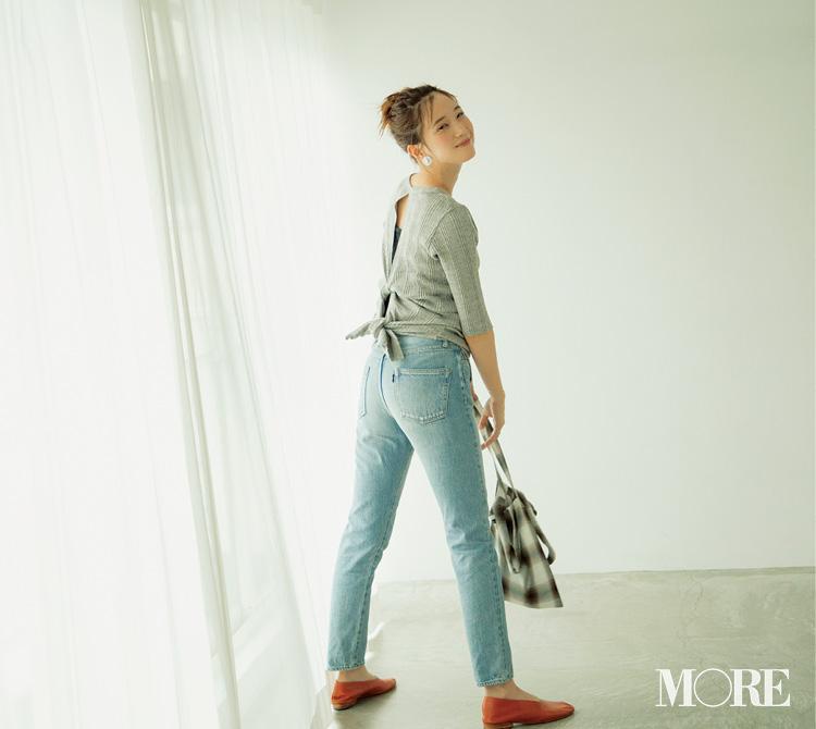 デニムコーデの日に「チーク」が必要なワケ。服がシンプルならメイクはほんのり甘く&愛らしくが正解なんです!_3