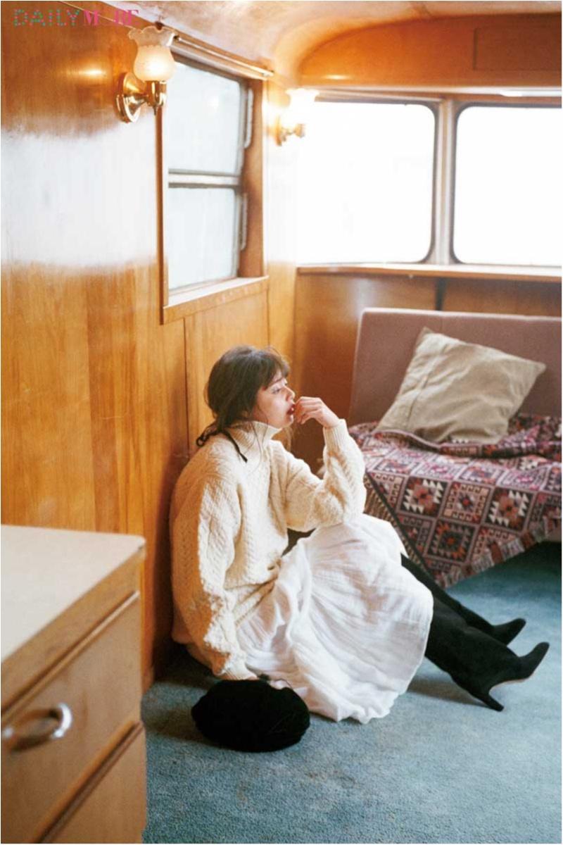 スタイリスト石上美津江さんが語る。真冬に白いケーブルニットを着るべき理由。_1_1