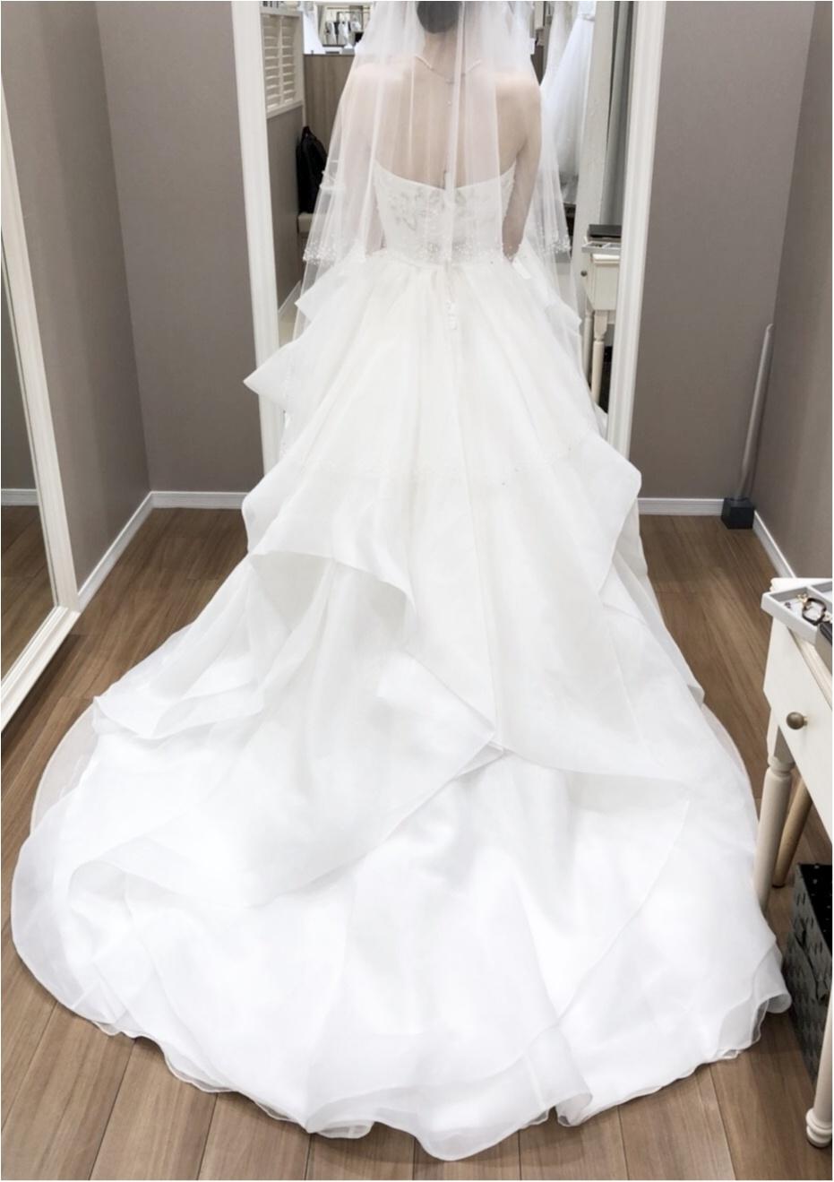 卒花さんに聞く【ドレス特集】-  結婚式・二次会におすすめ! プレ花嫁さんに人気のおしゃれなウェディングドレスは?_43
