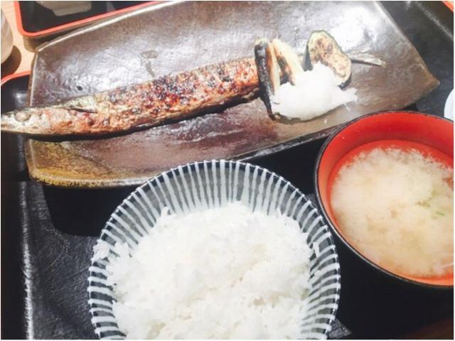 北海道の回転寿司【花まる】の系列店《一夜干しと海鮮丼 できたて屋》_1