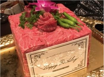 焼肉屋さんで#インスタ映え !?『バツマル東京』の肉ケーキでサプライズ女子会をしよう♡
