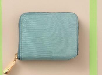 二つ折り財布が大人気! 2020年に新調したい、機能性抜群&おしゃれウォレット【今週のファッション人気ランキング】