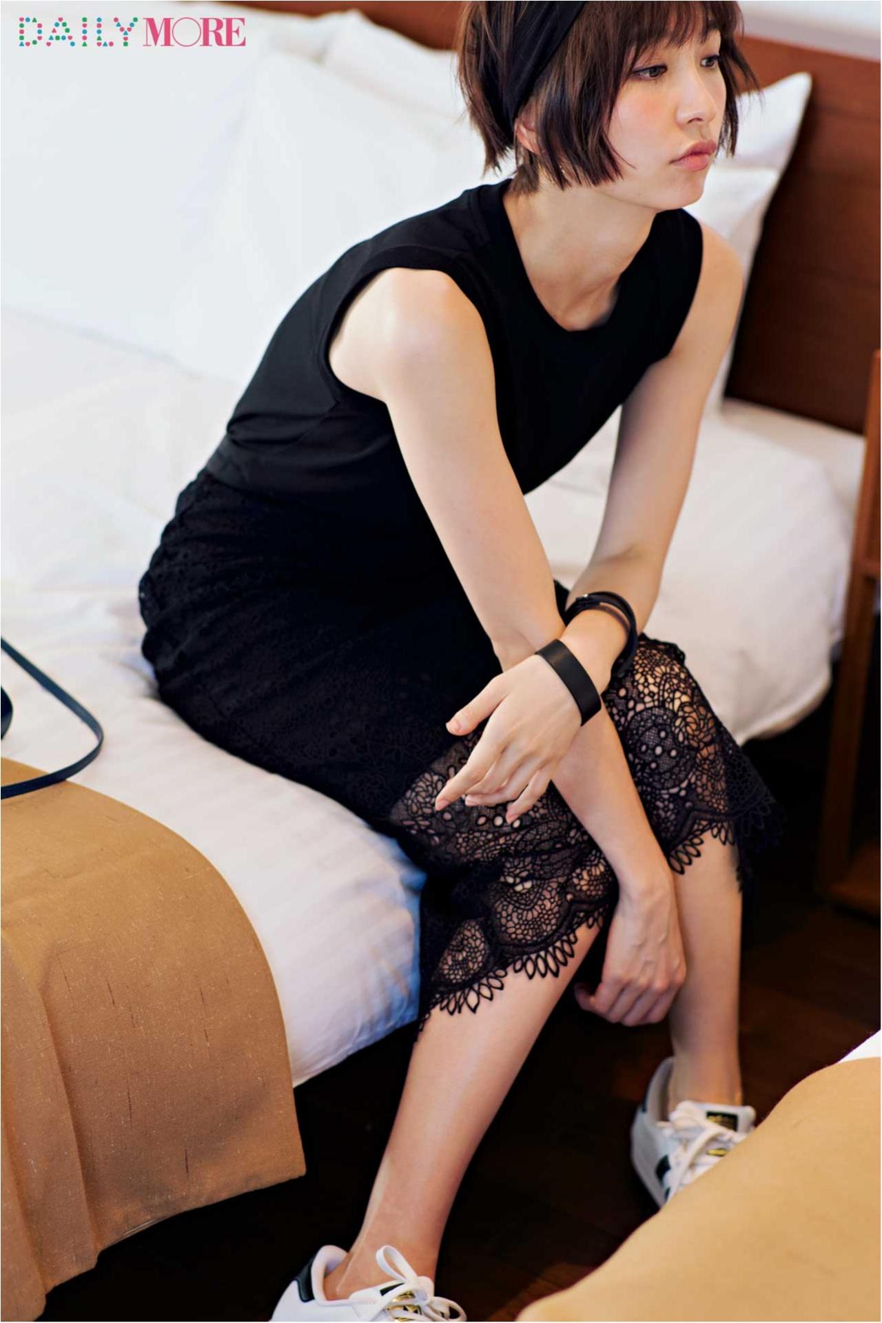 【今日のコーデ/篠田麻里子】夜の予定アリな木曜日は黒を女っぽカジュアルに♡_1