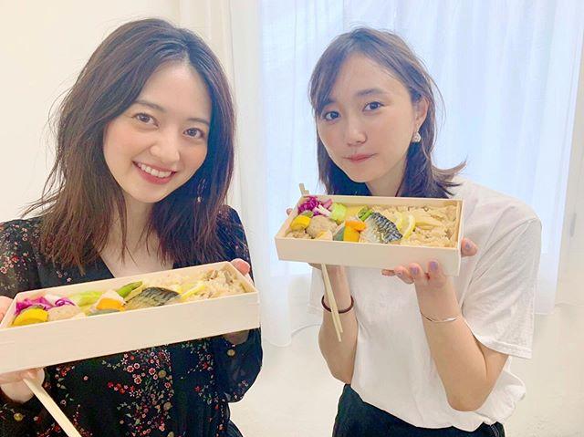 逢沢りなと鈴木友菜のランチの様子をお届け♡【撮影のオフショット】_1