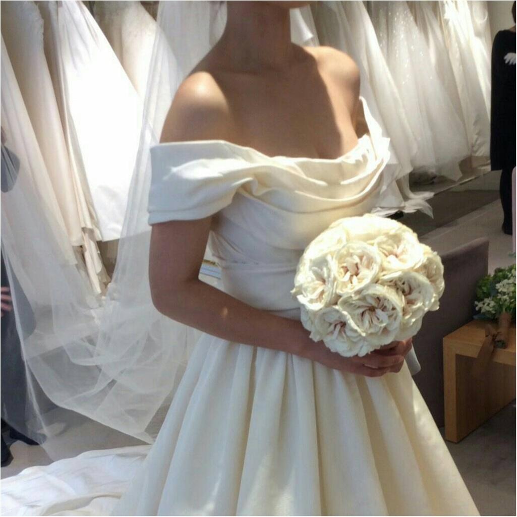 卒花さんに聞く【ドレス特集】-  結婚式・二次会におすすめ! プレ花嫁さんに人気のおしゃれなウェディングドレスは?_7