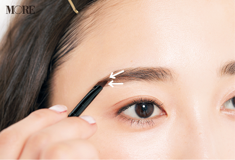 「眉が薄い人」におすすめの眉の描き方。自然なボリュームを出すテク&仕上げアイテム!_5