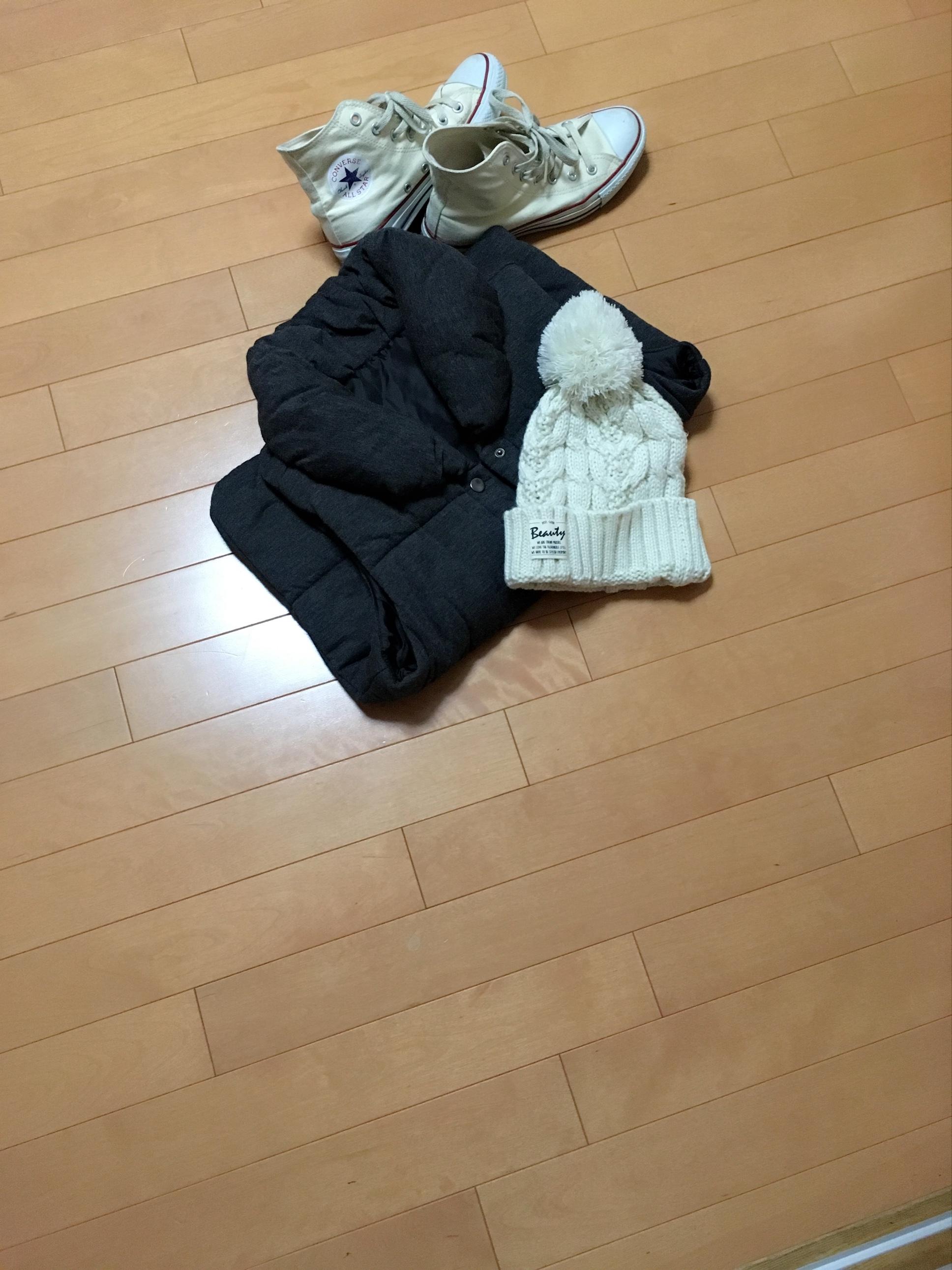 【3COINS】この冬使えるポンポン白ニット♡_1