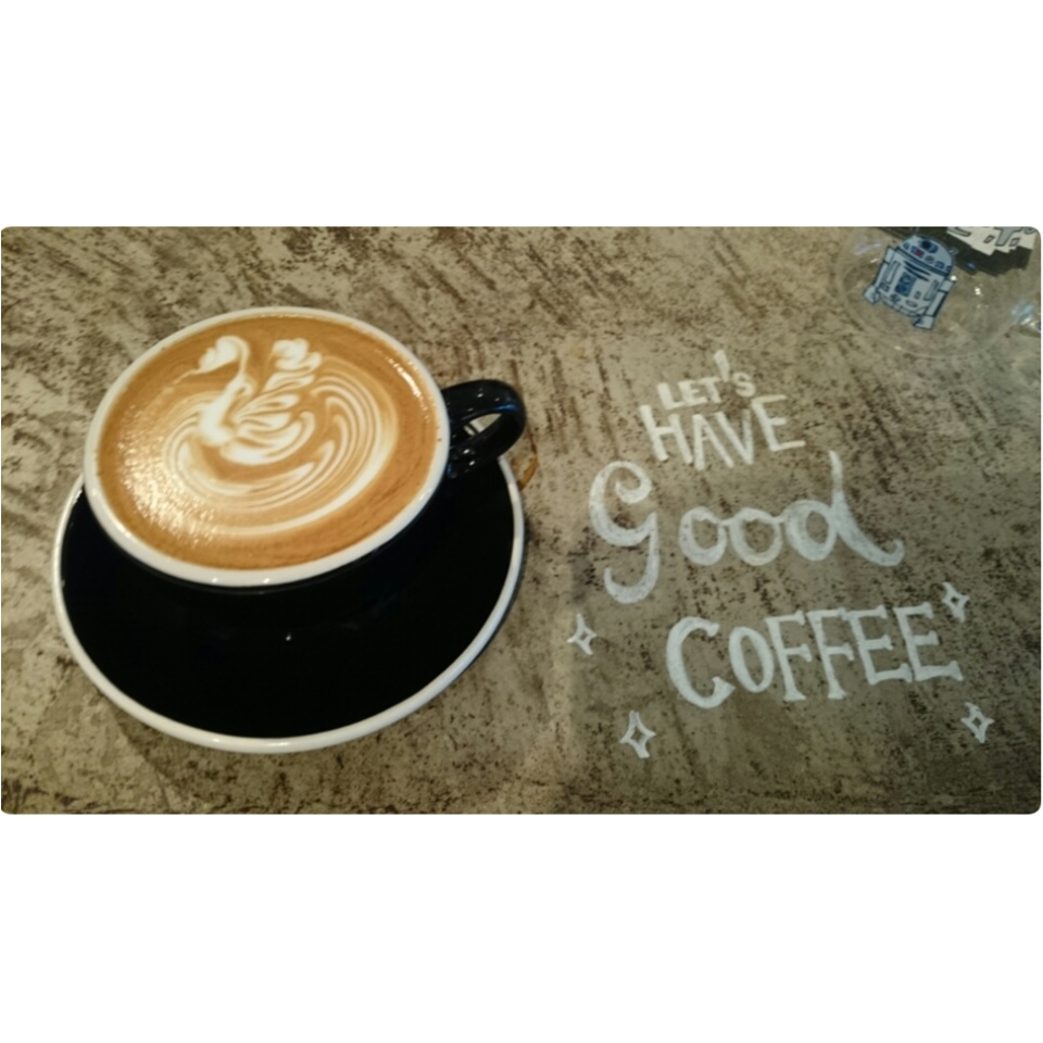 〈本当は内緒にしたい...!!〉カフェラテが美味しい都内のお気に入りカフェ。_4