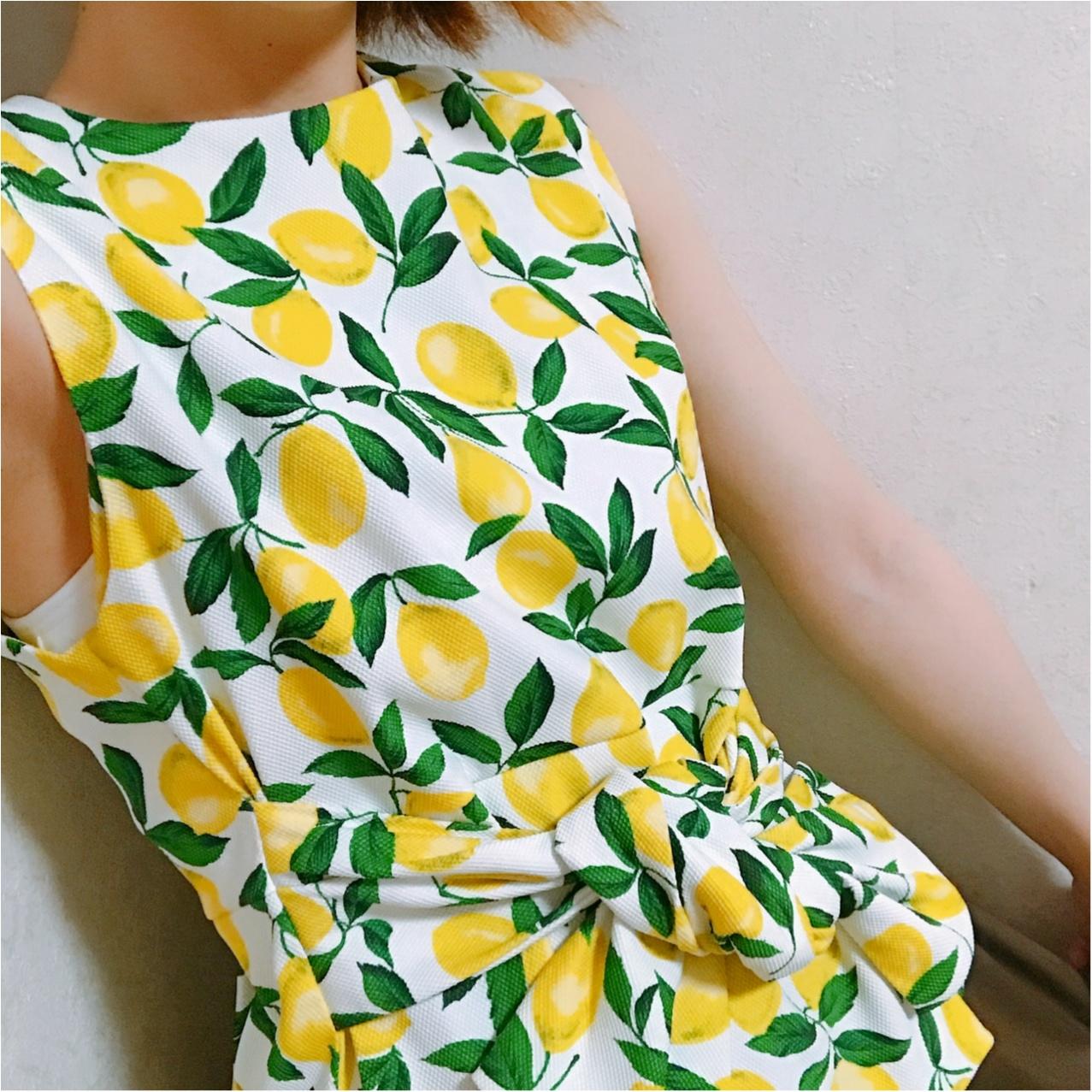 初夏にぴったり♡ 大人かわいい《レモン柄》トップスはココでget!_2