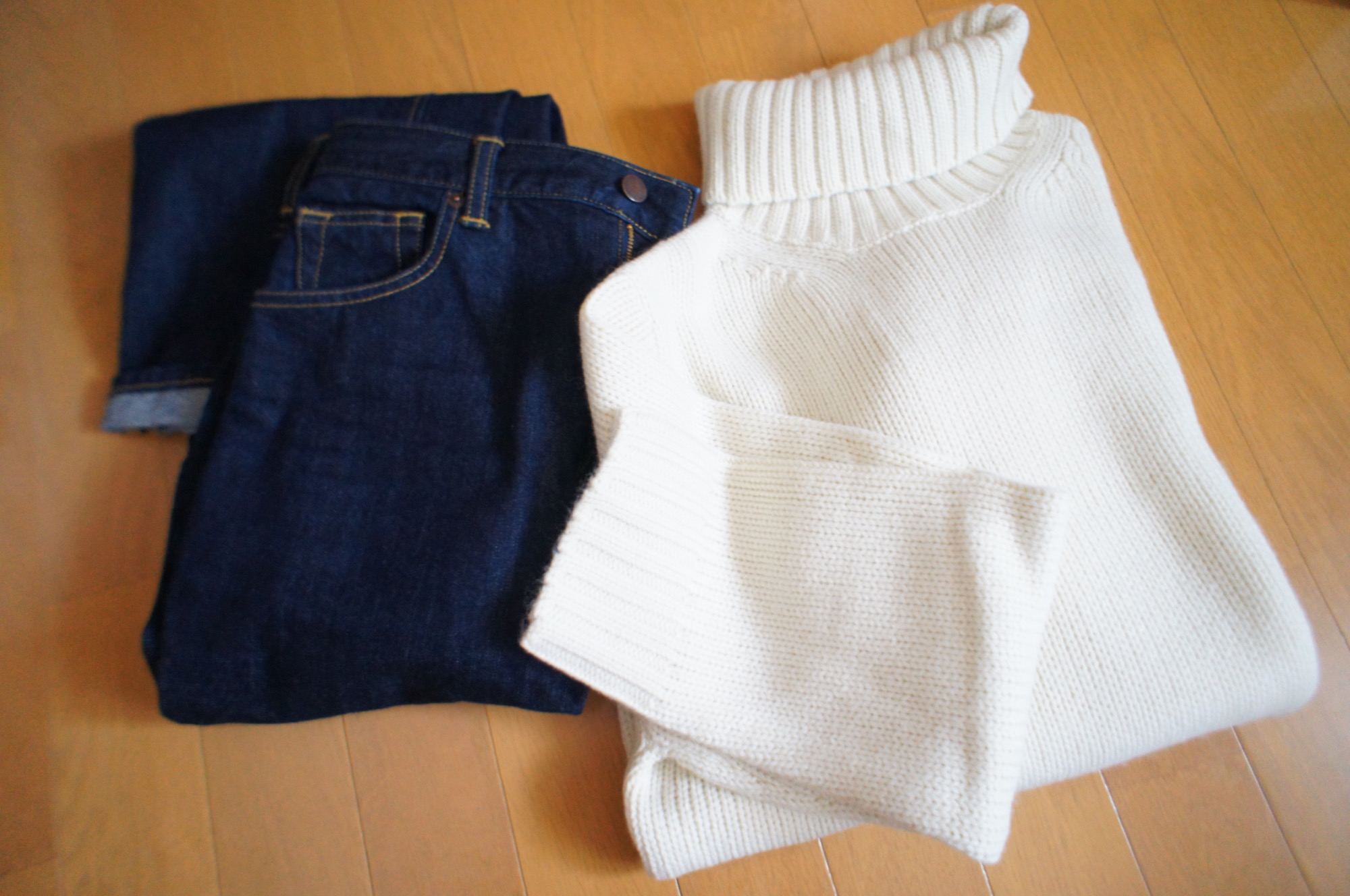 《昨年完売続出❤️》した【GU】メンズのローゲージタートルネックセーターが今年も登場☻!_1