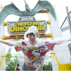 栞里、ユニバーサル・スタジオ・ジャパンで空を飛ぶ!【連載オフショット】