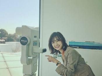 鈴木友菜が撮影中にはしゃぐ姿にスタッフ一同メロメロ♡【撮影オフショット】