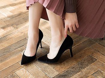 冬のスネやかかとの粉ふきとさよなら!「 レグケア」でツルすべ脚に